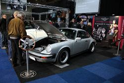 Porsche 911 met stuurbekrachtiging - EZ Electric Power Steering