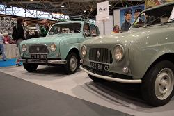 Renault 4 (en Renault 3, rechts) - EZ Electric Power Steering